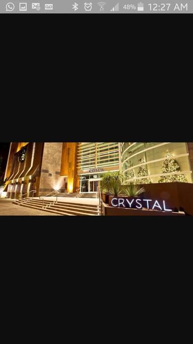Shopping Crystal 400 Mts