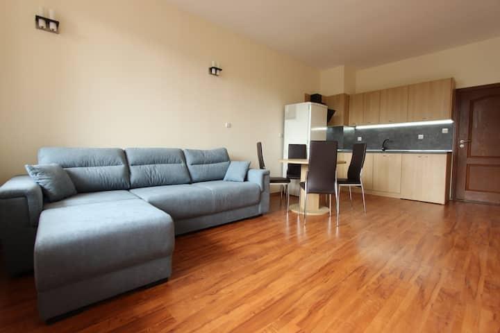 Модерен 3-стаен апартамент в сърцето на планината