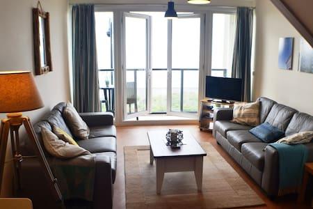 Stunning Apartment overlooking Pwllheli Beach. - Pwllheli