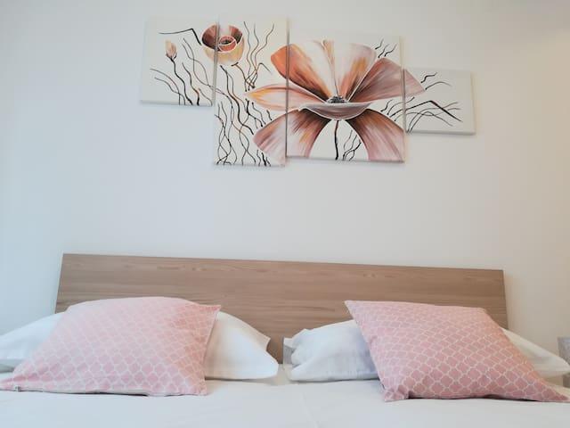 Apartment Iris, Srebreno