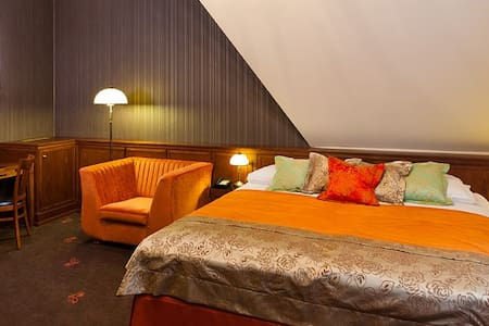Grape Hotel***** Robertson - Breslau