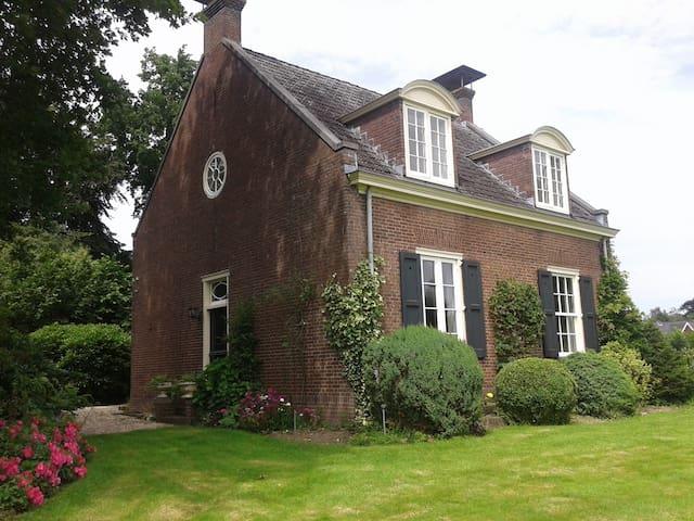 Rentmeesterswoning op landgoed Rhederoord - De Steeg - Casa de campo