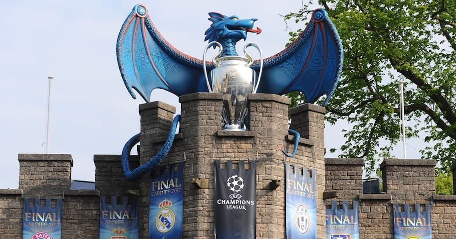 House for Champions League Final-15 mins to centre