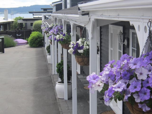 Family Cottage - Cottage Mews, Lake Taupo