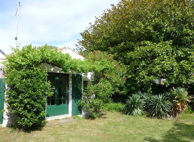 Maison bord de plage, calme, ensoleillée, ombragée - Saint-Trojan-les-Bains - 別荘