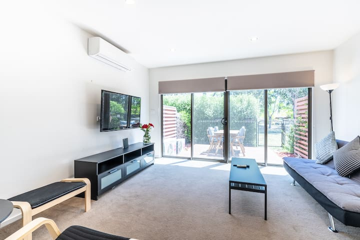 ♠ Laze-Away in a 2BR Garden Suburb Flat | Near CBD