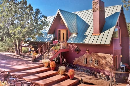 Purple House Sedona - Upper Chakra Level