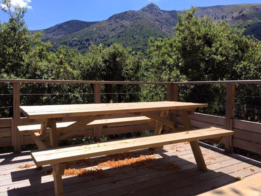 Terrasse extérieure au coeur des montagnes Corses