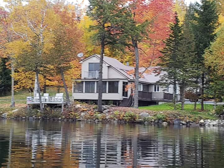 Piper Pond Vacation Home At Water's Edge