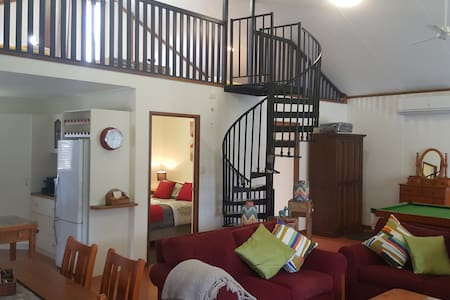 Glenvale B&B Studio/Apartment on quiet acre block.