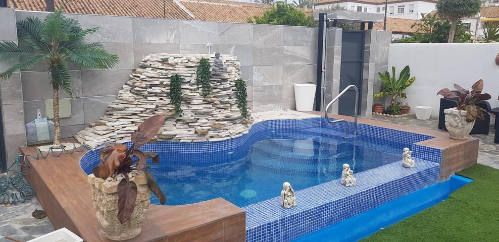 APARTAMENTO CON  PISCINA Y JARDÍN-MALAGA SUN&HOUSE