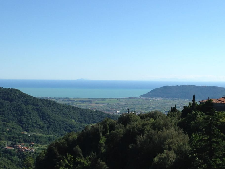 Bocca di Magra vista dalla Sala da pranzo - Sea-sight from the dining room
