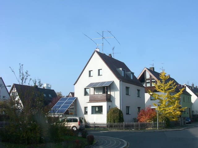 Einfamilienhaus. (Stand allone house)