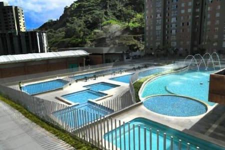 Hermosas habitacion en unidad cerrada,con 11 pisci - Bello - Wohnung