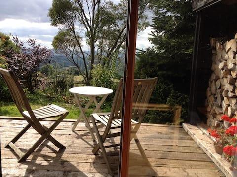 Black Sheep Barn. Stylish, remote and great views.