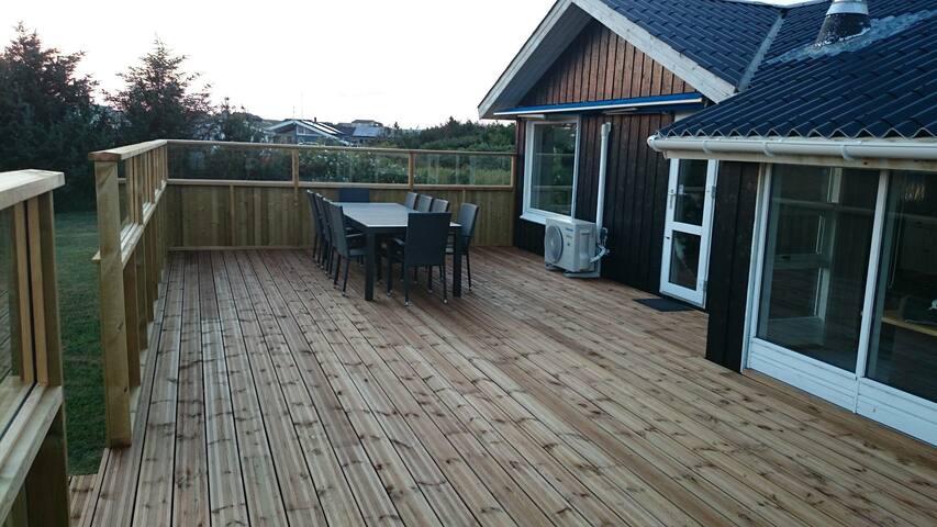 Sommerhus tæt på Vesterhavet og Løkken by - Løkken - Houten huisje