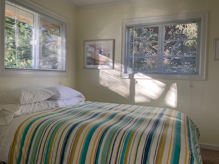 Grey Whale Inn: Room #5