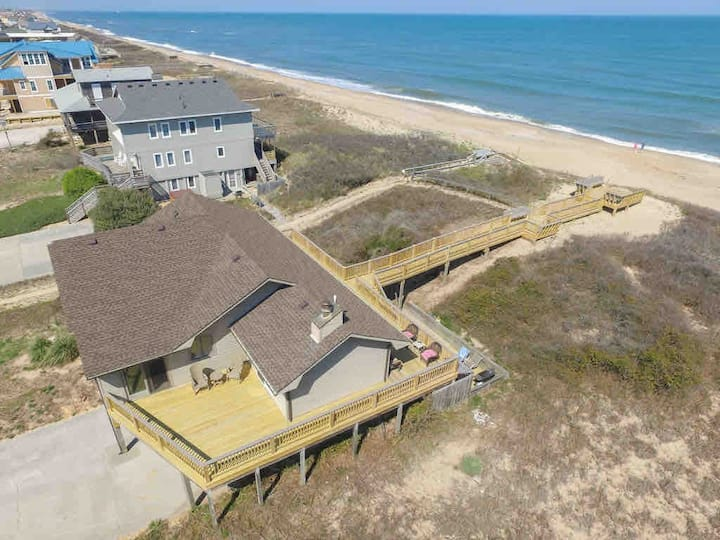 Pelican's Way - Oceanfront Home