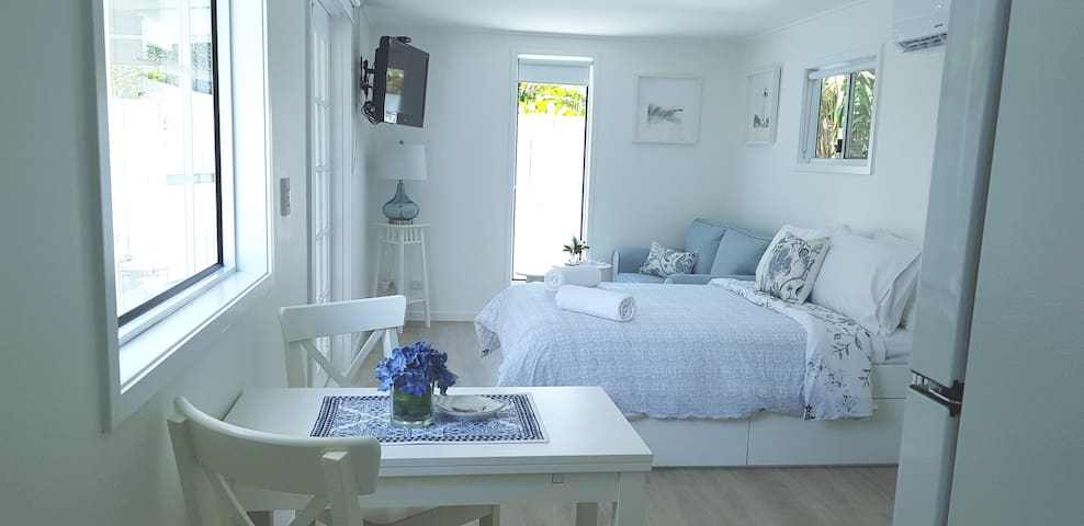 Little Hampton House. Your haven away from home.