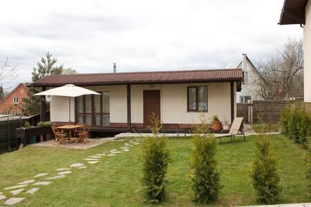 Дом с баней рядом с Сорочанами, Воленом, Яхромой