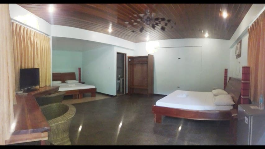 Pinjalo Resort - Royal | WiFi | Pool | Near Beach