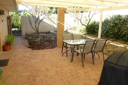 Private Villa 6km from Perth close to beach/Mt law - Tuart Hill