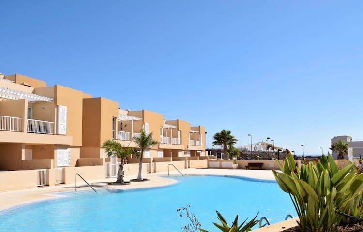Apartment with a south facing terrace - Santa Cruz de Tenerife - Leilighet