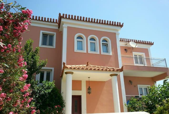 Pasithea Residence