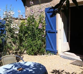 Maisonnette charmante et calme - Esnandes - Haus