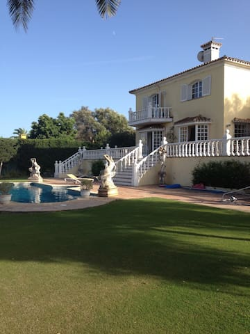 Double room in Sunny House, pool, large garden - - Sotogrande, San Roque - Haus