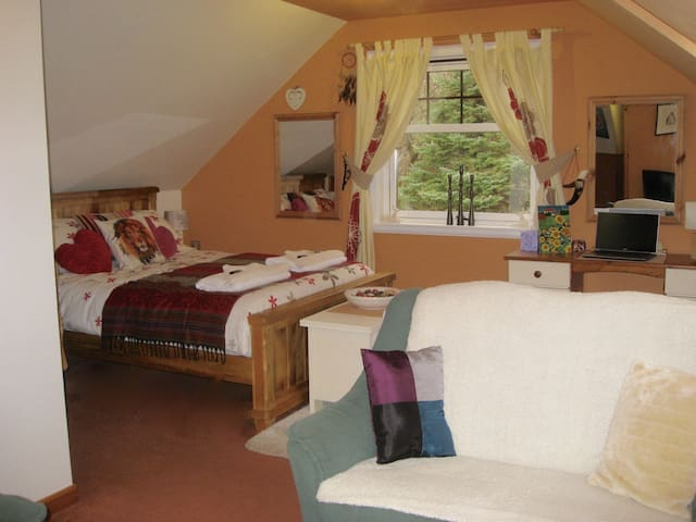 Fuaran Tobermory B&B - Large Ensuite Room 1