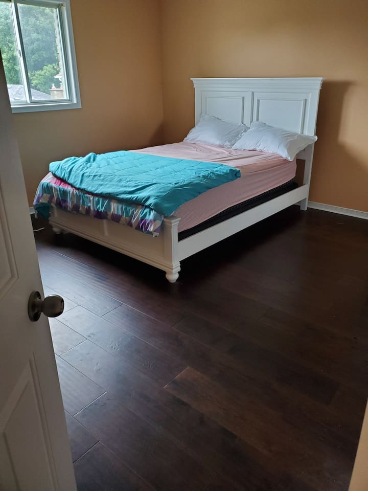 Room available in Sought out west mountain.