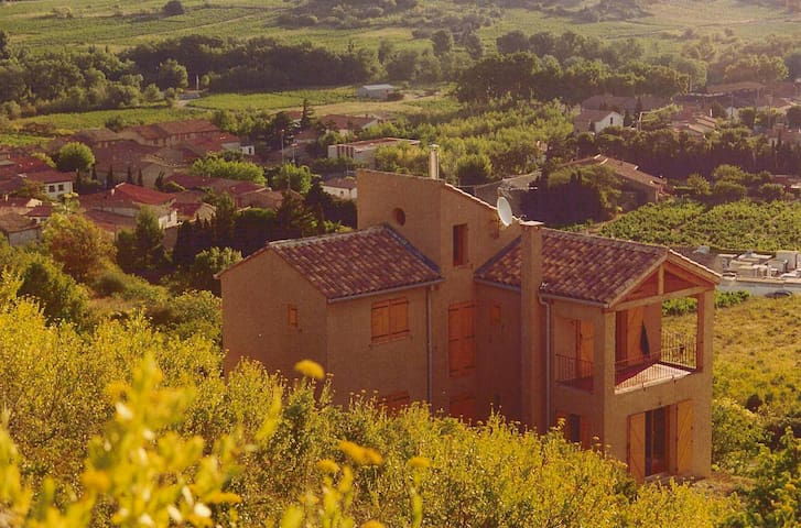Wonderful house, stunning views in the Corbieres. - Paziols - Hus