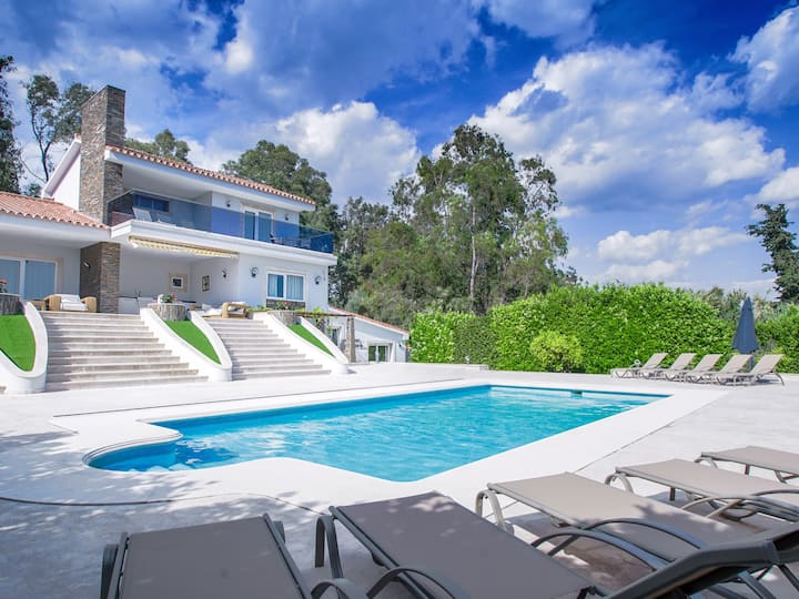 Luxury villa with heated pool in Marbella