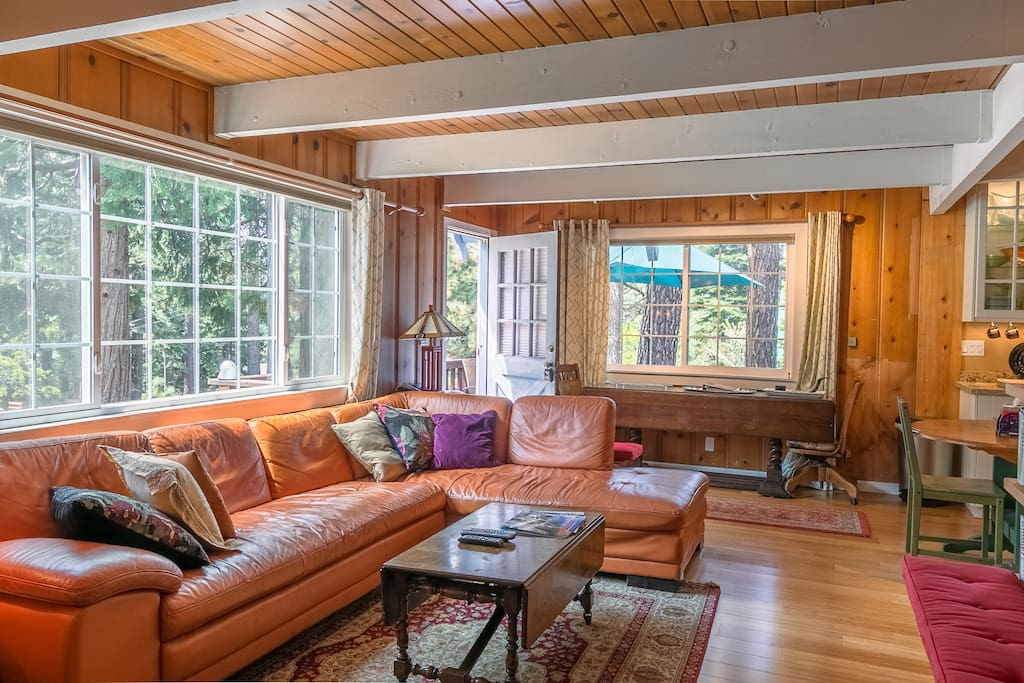 "Fully and tastefully furnished throughout, in ""Rustic Craftsman"" style. Great Family Room to relax after a long day of skiing or enjoying the lake"