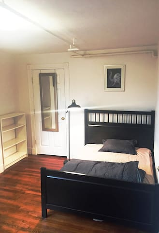 Furnished 1 BR walk to Central Sq, MIT Harvard
