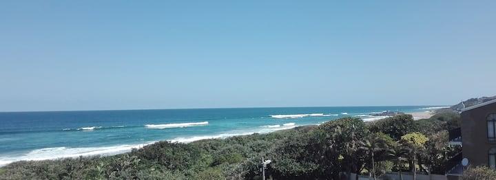 Oceans 13 on Ellcock - Ocean View Family Room
