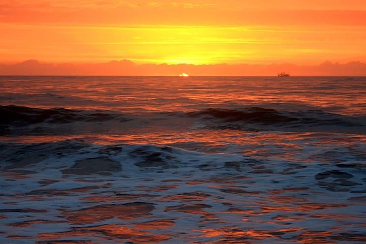 Hilton Head Beach Sunrise 45 Min Away