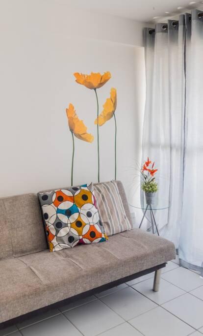 Busquei decorar esse apartamento de maneira descontraída, buscando seu conforto e bem estar.