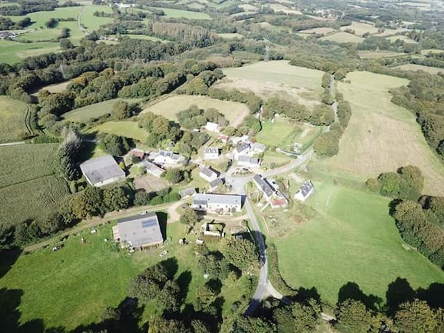 Le Petit Coin- Bourbriac-Rural Brittany Gite