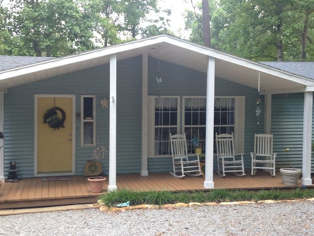 LAKE GASTON WATER FRONT 5 BED HOME - Henrico - Dom