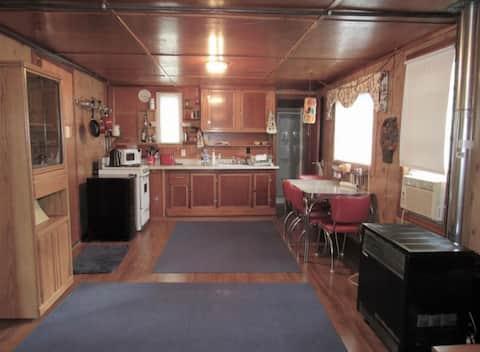 Cozy one bedroom cabin