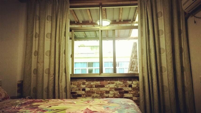 临安柳溪江边古镇小屋~。~ - Hangzhou - Dom