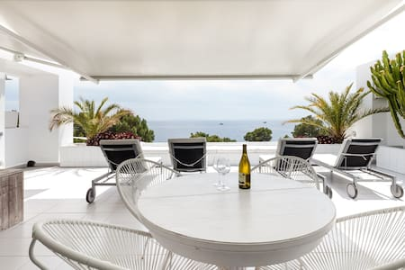Roca apartment front the sea - Illes Balears