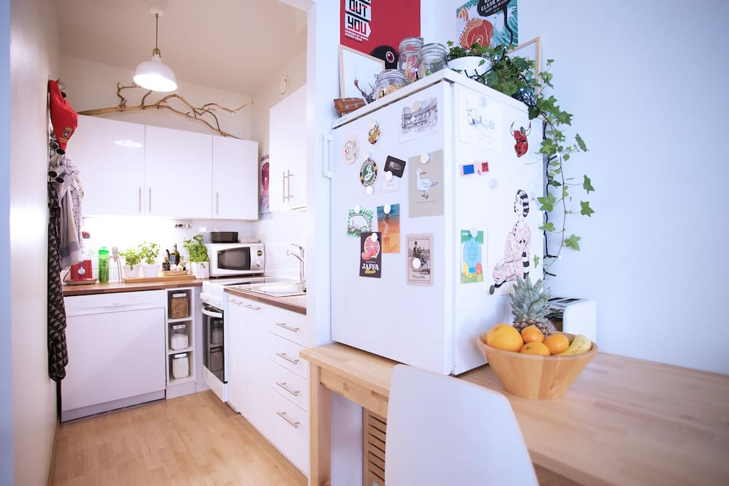Eat, snack and cook to your heart's desire in the fully-stocked kitchen.