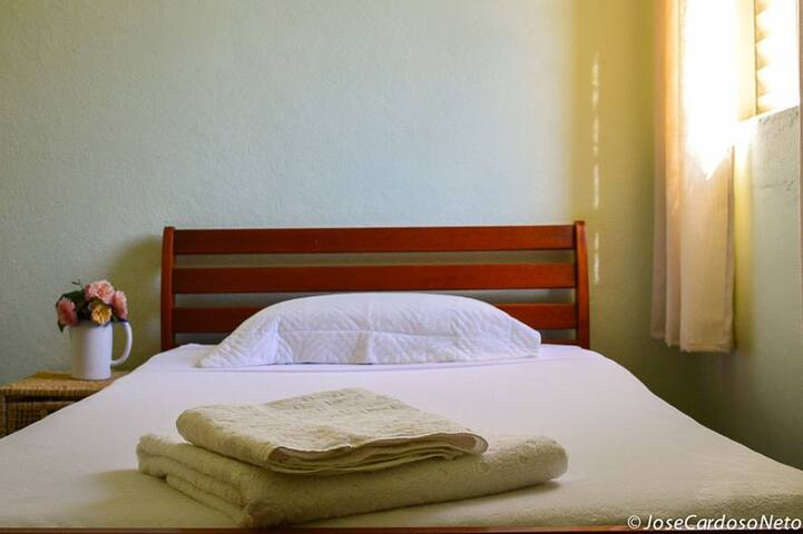 Pousada Apoena - Apartamento Girassol