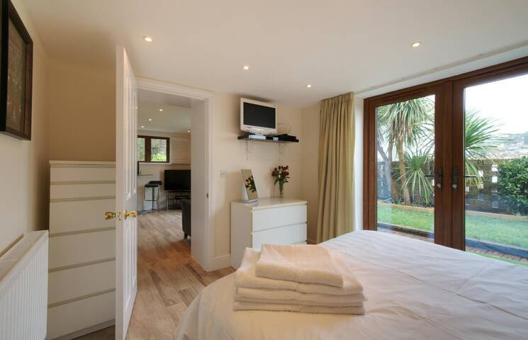 The Garden Suite - En-Suite