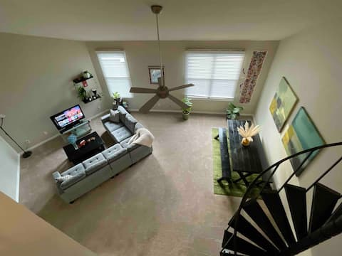 Lovely 1BR Loft Centrally located to Dallas + Pool