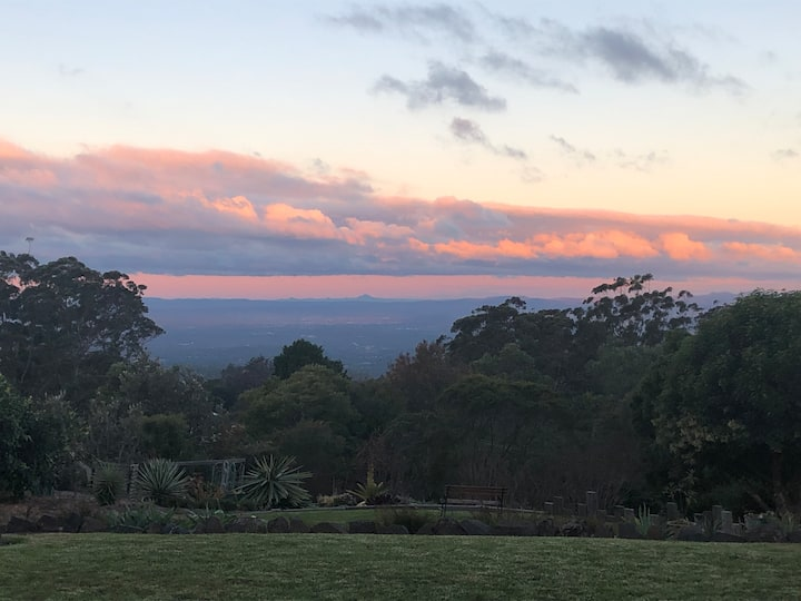 Mountain Top Serenity Bed and Breakfast Toowoomba