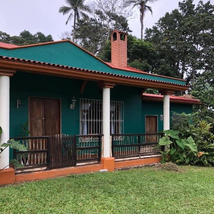 Casa Selva / amplia casa de descanso en la selva
